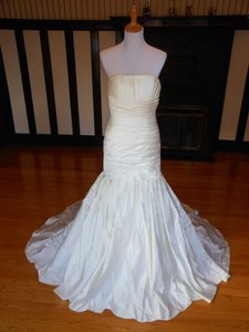 Pronovias 5026 Satin Destination Wedding Dress Size 12 (L)
