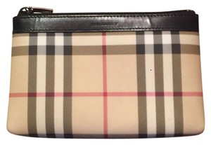 Burberry Burberry Cosmetic Bag. Makeup bag
