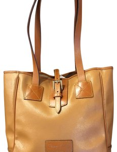 Dooney & Bourke Tote in camel
