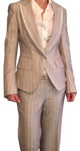 obzee kang Jin young suit