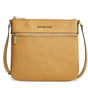 Michael Kors Bedford Saffiano Leather 8254198 Cross Body Bag