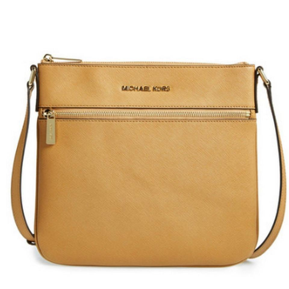 5304ee1a5754 Michael Kors Bedford Saffiano Leather 8254198 Cross Body Bag Image 0 ...