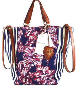Tommy Bahama Tote in Blue