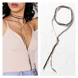 Urban Outfitters NWT Ombre Velvet Wrap Choker