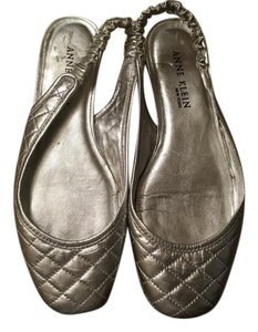 Anne Klein Grey/metallic Flats