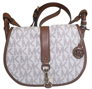 Michael Kors Saddle Jamie Large Vanilla Messenger Bag
