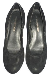 Donald J. Pliner Black Pumps