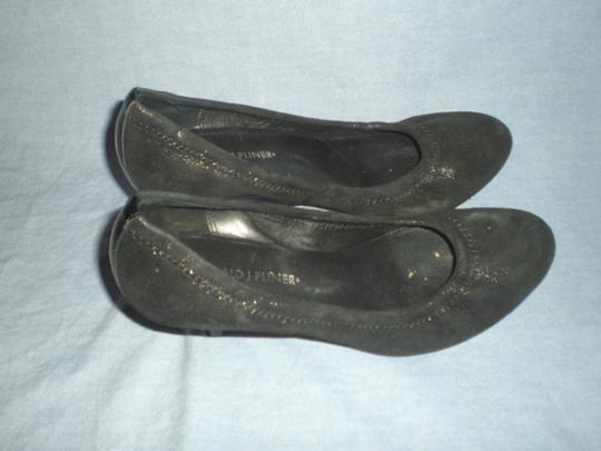 Donald J. Pliner Black Pumps Image 5