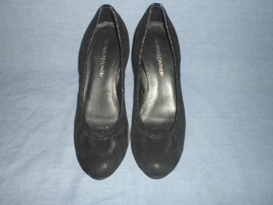 Donald J. Pliner Black Pumps Image 7