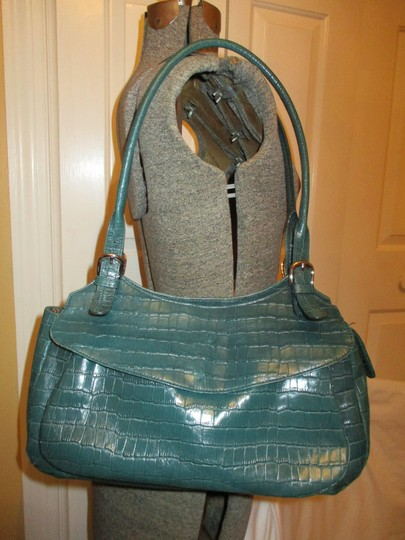 Maxx New York Leather Croc Satchel in green Image 1
