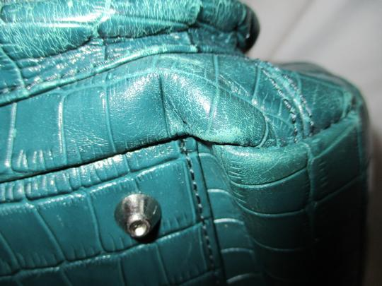 Maxx New York Leather Croc Satchel in green Image 10