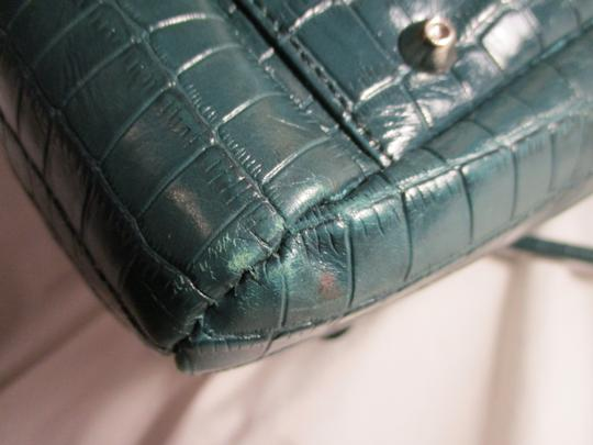 Maxx New York Leather Croc Satchel in green Image 11