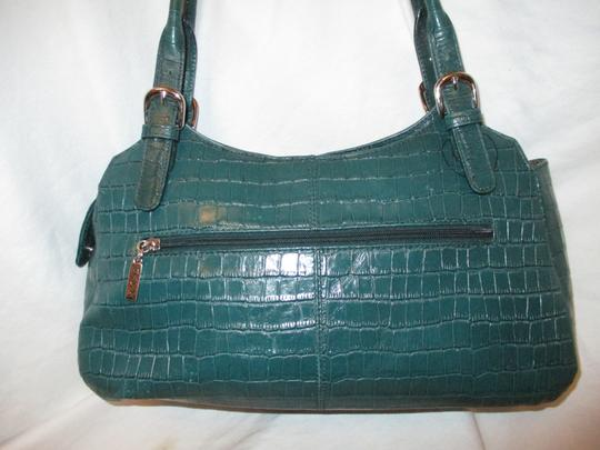 Maxx New York Leather Croc Satchel in green Image 4