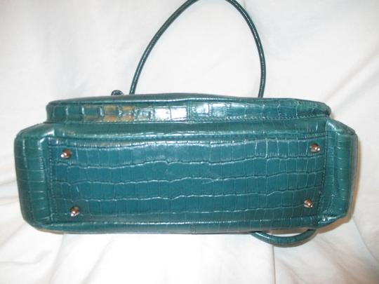 Maxx New York Leather Croc Satchel in green Image 7