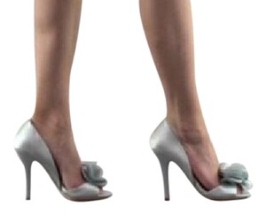 Badgley Mischka grey Pumps