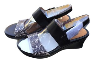 Naturalizer Black and White Sandals