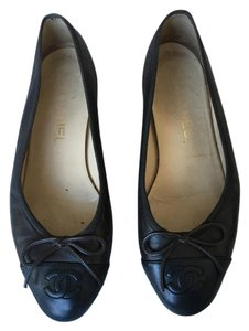 Chanel Captoe Classic Brown and Black Flats