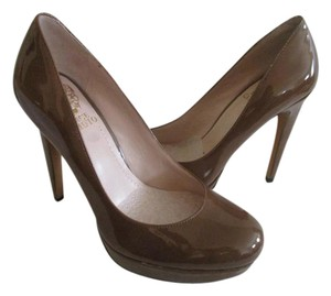 Vince Camuto Patent Leather Nwob Taupe Pumps