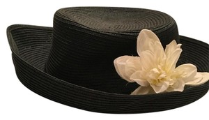 Bijoux Terner New black hat with silk flower