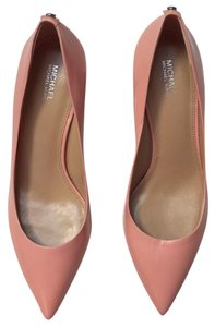 Michael Kors pink Pumps