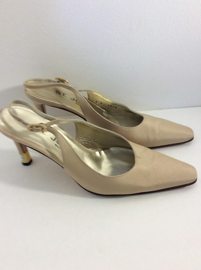 St. John Made in Italy Tan Pumps Image 2