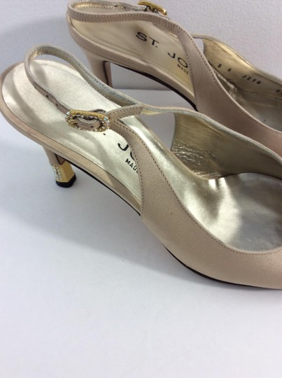 St. John Made in Italy Tan Pumps Image 3