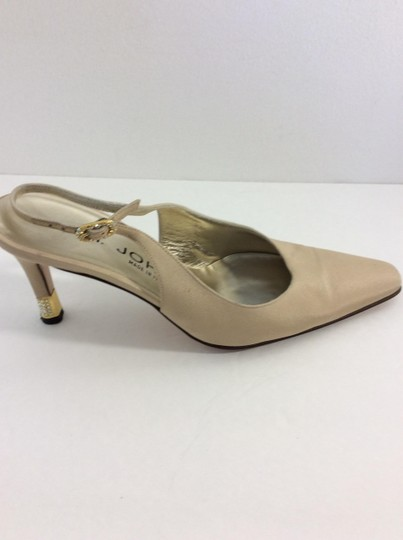 St. John Made in Italy Tan Pumps Image 9