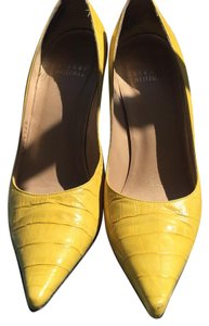 Stuart Weitzman yellow Pumps