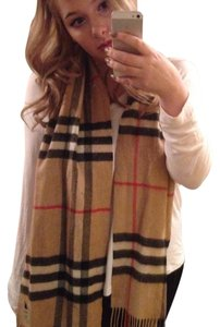 Burberry Classic Check 100% Cashmere fringed scarf