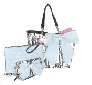 Betsey Johnson Pouch Bone/black Cross Body Wallet Blue Bow Tote in BONE/black/blue