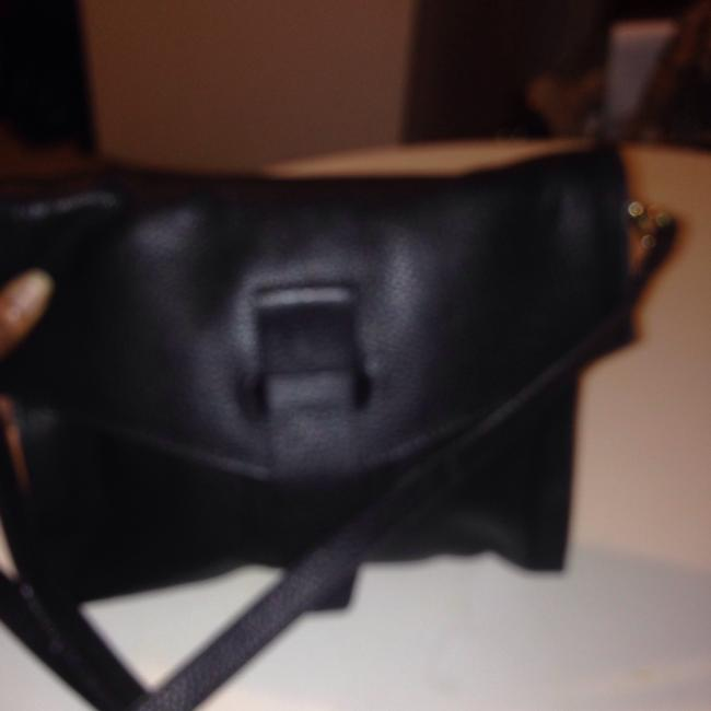 Item - Clever Carriage Company None Black Leather Cross Body Bag