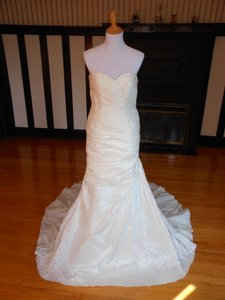 Pronovias Felice Wedding Dress