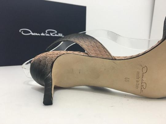 Oscar de la Renta Pointed Toe Medium Heel Height Slingback Print Natural Black Snake Pumps Image 10