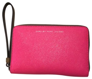 Marc by Marc Jacobs Wristlet in pink and army green