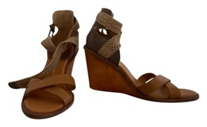 Dolce Vita Brown/Beige Wedges