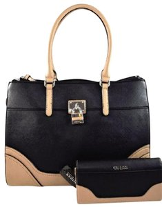 Guess Tote in Black