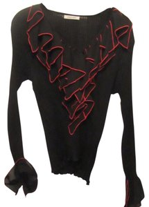 Kaelyn-Max Top black with red trim