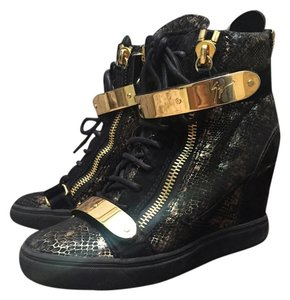 Giuseppe Zanotti Black with gold Wedges