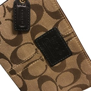 Coach Wristlet in black accents