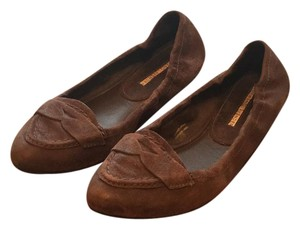 Vera Wang Dark brown Flats