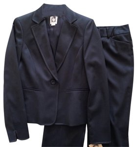 Anne Klein NWT Anne Klein 2 pc Pant Suit, Midnight Black, Size 4