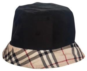 Burberry House Check and Black Reversible Bucket Hat