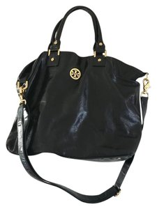 Tory Burch Satchel in Black with gold embellishments