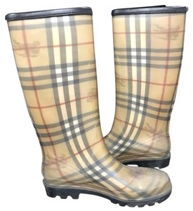 Burberry tan Boots