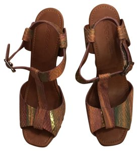 UGG Collection Sandals