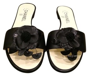 Chanel Flat Camellia Flower Black Sandals