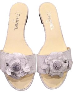 Chanel Flat Camellia Crackle White Sandals