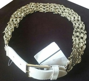 Max Mara MAX MARA Belt NEW Size S Patent Leather Gold Chain