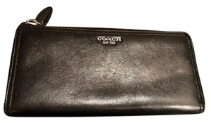 Coach Long Leather Zippy Accordian wallet i