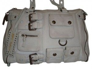 BETSEY JOHNSON Tote in PEARL GREY